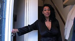 Spying aunt - more on www.69SexLive.com